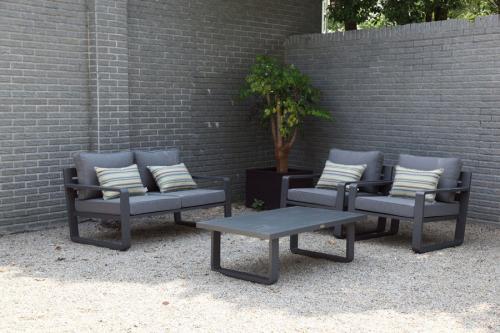 Sala-Porto-negro-Sofa-dos-puestos
